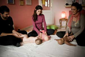 Taller de masaje infantil en Sevilla